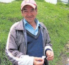Víctor Díaz ha prendido mechas de tejo para espantar el vendaval de Chapinero.