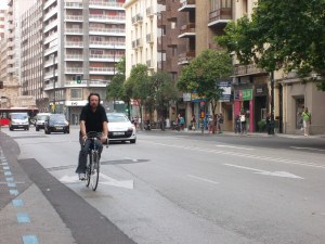 Las 'bicis' parecen convivir sin problema con los carros.