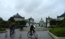 Al fondo, la iglesia de Frederik